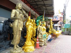 Bangkok street with Buddhas (ashabot) Tags: street travel art thailand bangkok cities streetlife buddhism streetscenes