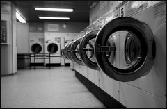 Laundromat persective (Guillaume DELEBARRE) Tags: blackandwhite bw noiretblanc sony nb alpha a65 sonya65 sonyalpha65 alpha65