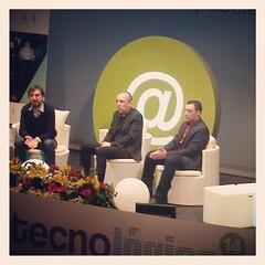 Un año más @yoriento en #tecnologicasc dejando claro que hay que concretar y actuar. Esta vez no se metió con los calcetines!!!!