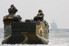 AAVs come to shore (Okinawa Marines) Tags: usmc 26 marines southkorea marinecorps rok pohang ssangyong usmarines republicofkorea usmarinecorps rokmc rokmarines republicofkoreamarines cpllaurenwhitney ssangyong14 ssangyong2014 doguebeach gz082