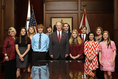04-02-2014 Students from Winfield and Guin meet Governor Bentley