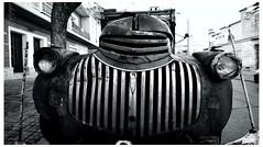 general motors truck byn (_Joaquin_) Tags: blancoynegro uruguay nikon feria sigma camion joaquin montevideo 1020mm viejo barrio antiguo dx trescruces d3200 joafotografia joalc generalmotorstruckbyn lapizaga