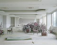 abandoned hotel (Egg Cheung) Tags: fujifilmgf670professional 6x7 fujicolorpro400h 120 film medium japan haikyo urbex decay wwwfacebookcomurbanfragment abandoned hotel hachijojima