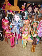 Sweet Tea time (Veni Vidi Dolli) Tags: everafterhigh mattel dolls gingerbreadhouse farrahgoodfairy jillianbeanstalk ninathumbell