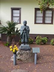 Statue of Shinran Shonin (Joel Abroad) Tags: kamuela bigisland waimea churchrow statue shinranshonin hongwanji buddhist japanese