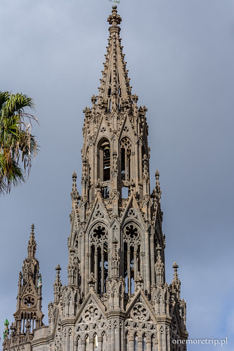 170206-1703-katedra