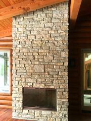 Fond du Lac Rustic (Buechel Stone) Tags: naturalstone buildingstone stoneveneer thinveneer fullveneer stone buechelstone stoneexterior stonemasonry stonehome interiordesignideas fireplace hearth mantel