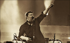Just Another Guy (Vide Cor Meum Images) Tags: mac010665yahoocouk markcoleman markandrewcoleman videcormeumimages vide cor meum nikon d750 concert live music elbow guy garvey lead singer musician english manchester doncaster dome seldomseenkid groundsfordivorce