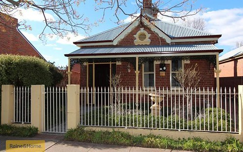 169 Keppel Street, Bathurst NSW 2795