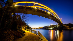 Svindersviksbron (Jens Haggren) Tags: svindersviksbron bridge night lights colours reflections water path fence sky nacka sweden jenshaggren