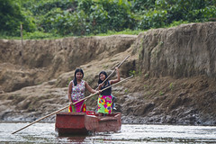 Piragua (Canopy Family) Tags: embera panama chucunaque river canoe indians native