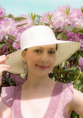 22/52 la vie en rose (Gret B.) Tags: pink light portrait selfportrait self licht 21 sommer rosa portrt hut rhododendro