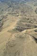 Kh. et-Tannur (APAAME) Tags: archaeology ancienthistory middleeast airphoto aerialphotography tannur aerialarchaeology التنور jadis2104067 megaj10057 whs229