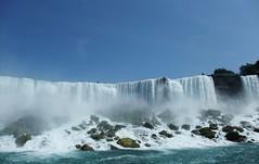 Niagara Falls (El Paso ESQ) Tags: newyork canada water niagarafalls waterfall waterfalls upstatenewyork rapid maidofthemist