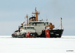 Hip Tow (p. j. mcintyre) Tags: winter duluth lakesuperior