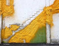 Pared abstracta. Abstract wall. (Esetoscano) Tags: abstract muro wall pared ruin ruina abstracto