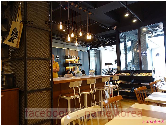 江南221B in Seoul coffee lounge (6).JPG