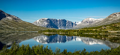Breiddalsvatnet, 898 m, Municipality of Skjåk, Oppland, Norge (North Face) Tags: oppland norwegen norway norge lake reflections mountain summer landscape nature panorama scenery blue water see berge landschaft natur canon eos 5d mark iii 5d3 24105l mountains outdoor sommer