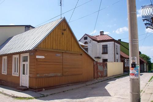 Zabudowa ulicy Słonecznej w Bodzentynie (róg Licealnej)