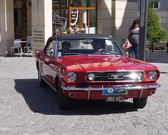 Ford Mustang rouge (gueguette80) Tags: old red classic cars ford rouge juin tour autos mustang amiens monte association 1er picardie historique somme laon anciennes redcars cathdrales uscars 2013 americaines