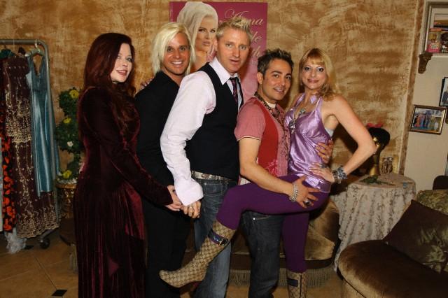 Daniel DiCriscio Participates in Seance of former client Anna Nicole Smith