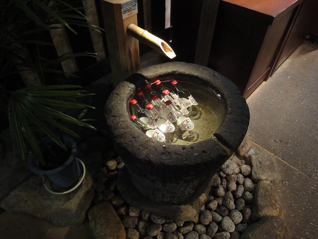 水鉢に「まんてん泡水」というサイダーが。|原田酒造場