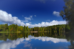 Autumn silence (Usstan) Tags: blue autumn trees sky lake ski green fall water norway clouds lens landscape norge nikon day seasons no wideangle calm nikkor akershus locations reflecions colorefexpro niksoftware 1685mm d7000