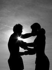 L'abbraccio dei pugili (Ondablv) Tags: stella portrait italy white black silhouette contrast photography photo italia tramonto image