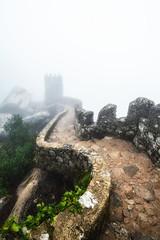 Portugal: Castelo Dos Mouros (Simone Angelucci) Tags: castle portugal fog sintra dos castelo mura nebbia castello portogallo mouros d600 mygearandme