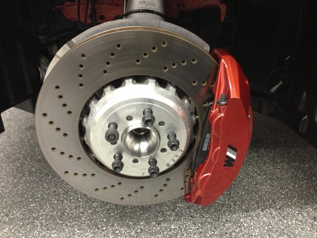 Custom Caliper Painting on BMW M5