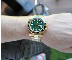 GMT Master II Green (Watch Guide) Tags: 2 green yellow gold dial master ii rolex gmt