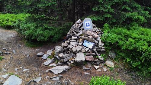 Lenonův pomník.