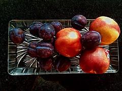 #Pflaumen und #Nektarinen (RenateEurope) Tags: stilllife food fruits stillleben juicy tasty fresh organic plums nectarines 2015 nektarinen pflaumen prunusdomestica renateeurope