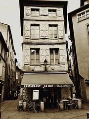 Le May restaurant (freddylyon69) Tags: streets immeuble 2017 promenade rue noiretblanc blackandwhite restaurant toulouse