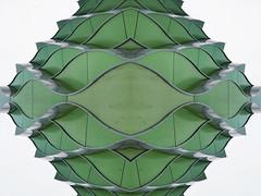 Wavey (Ed Sax) Tags: welle welig grün weis green white pattern muster art design kunst edsax kunstphotographie photokunst photoart wiederholung endlos