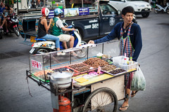 (seua_yai) Tags: street sea people beach fashion thailand women asia southeastasia candid thai motorbikes pattaya thaipeople gulfofthailand thaigirl thaiwomen thailady pattayagirl