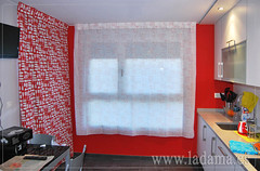 "Cortinas modernas cocina roja • <a style=""font-size:0.8em;"" href=""http://www.flickr.com/photos/67662386@N08/9191889589/"" target=""_blank"">View on Flickr</a>"