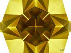 Estrella / Star by Peter Budai (backlight-close up) (esli24) Tags: origamistar peterbudai crossedboxpleat papierfalten thokiyenn origamistern esli24 ilsez origamiestrella rosewindowpattern