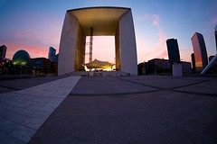 Grand Arch Sunset (Mike Franks) Tags: sunset paris france architecture ladefense fisheye grandarch esplanadedeladefense 815mm