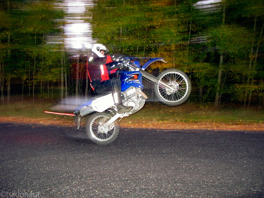 The World's newest photos of drz400 and wheelie - Flickr
