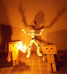 Happy Halloween! Frightening is not it ?  (Damien Saint-) Tags: toy japanese amazon von vinyl pepsi fireball yotsuba flgel danbo drossel calbee amazoncojp revoltech danboard figma