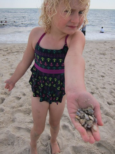 Helen And Some Tiny Clams