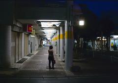 パークアベニュー 歩くひと Okinawa-si, Okinawa (ymtrx79g ( Activity stop)) Tags: street color slr film japan analog nikon kodak 35mmfilm okinawa 135 沖縄 街 写真 銀塩 フィルム nikonnewfm2 沖縄市 kodakultramax400 nikonainikkor50mmf14 歩行走行 walkandrun 201310blog okinawasi