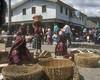 El Centro... Solola (vincenzooli) Tags: market guatemala solola kodchrome