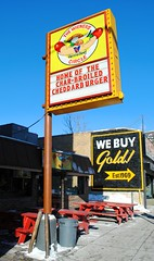 Wieners Circle (Cragin Spring) Tags: city chicago building sign illinois midwest chitown il northside hotdogs lincolnpark chicagoillinois hotdogstand chicagoil windycity wienerscircle chicagohotdogs thenewbonanza