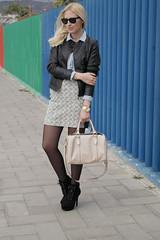 Denim Code (Doll Actitud) Tags: street winter white black girl fashion shirt outfit boots style skirt blogger denim hm zara rayban blythelifestyle