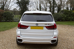 BMW X5 M50d F15 N57 2014 Mineral White (dbrooker1) Tags: uk white car model automobile rear bmw vehicle bmwx5 suv x5 f15 2014 n57 m50d mineralwhite bmwx5m50df15n572014 bmwx5m50df15n57 bmwx5m50d