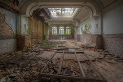 spacious and bright (MGness_) Tags: urban abandoned lost hotel rust ruins place floor explorer dream corridor rusty grand places creepy ruine step staircase forgotten urbanexploration chateau exploration decayed urbex abandones regnier lostplace urbexery