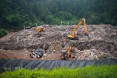 Aktivitas di TPA Cilowong, Serang, Banten (M. Azra) Tags: indonesia tpa serang sampah cilowong