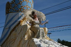 Queen of Nereids (FilmandFocusPhoto) Tags: canon sigma 1750 1750mm outdoors outdoor naturallight availablelight sunlight daylight sunshine mardigras mardi gras nereids parade float queen person people costume carnival photoshopfree noprocessing untouched unedited noedit unaltered